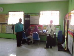 Radio komunitas Tlogomas FM yang masih membutuhkan bantuan fasilitas namun sdh bisa on air utk menyiarkan beberapa kegiatan KIM